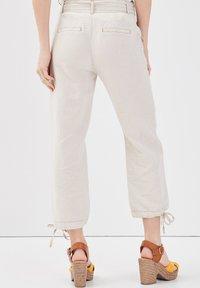 Cache Cache - Pantalones - beige - 2