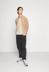 Weekday - DARK - T-shirt - bas - beige - 1