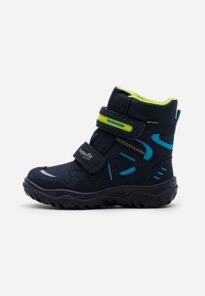 HUSKY - Winter boots - blau/grün