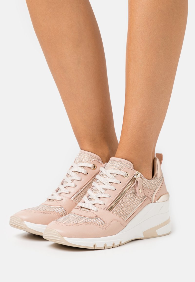 Caprice - LACE UP - Sneakers laag - rose