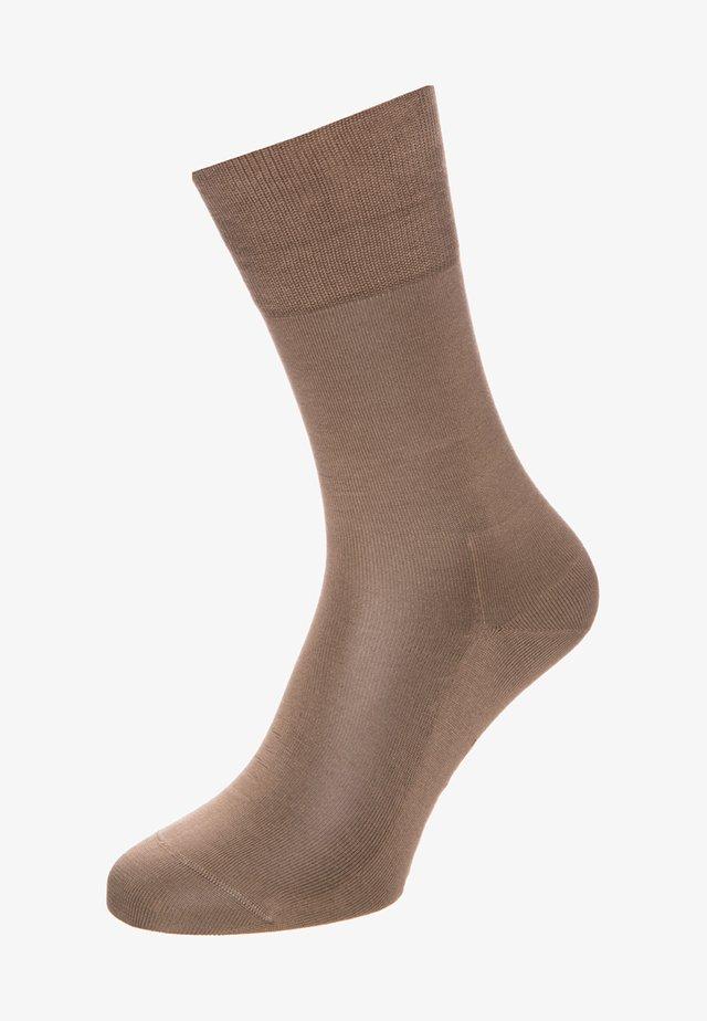 TIAGO - Socks - kamelhaar