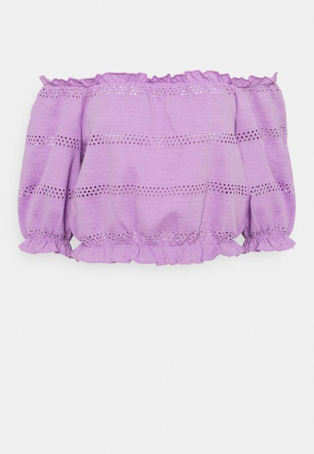 PCTAYLEE CROPPED - Camiseta estampada - sheer lilac