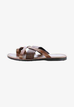 ANTONIO - Domácí obuv - brown