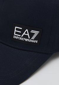 EA7 Emporio Armani - BASEBALL HAT UNISEX - Gorra - navy - 4