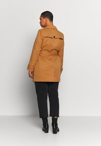 Vero Moda Curve - VMBERTA JACKET - Trench - tobacco brown - 2