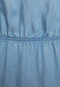 TOM TAILOR DENIM - CHAMBRAY DRESS - Jersey dress - light stone/bright blue denim - 2
