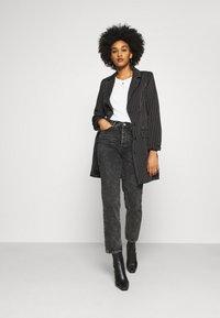 Missguided - PINSTRIPE DRESS - Denní šaty - black - 1