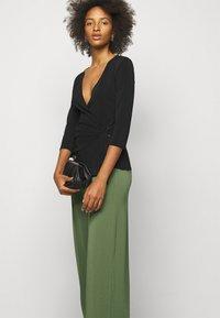 By Malene Birger - MIELA - Trousers - clover green - 3