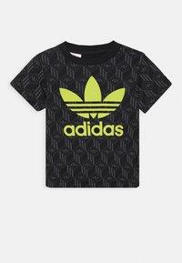 adidas Originals - TREF TEE - Print T-shirt - black - 0