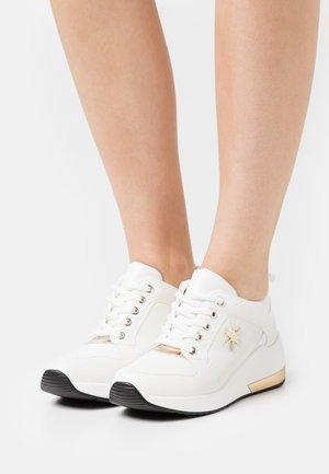 Zapatillas - soft bianco