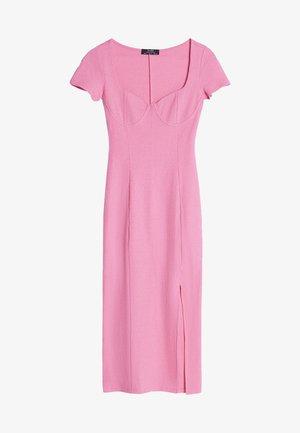 Pletené šaty - pink