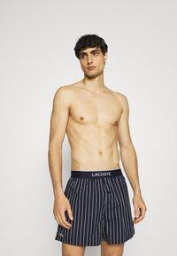 Lacoste - 3 PACK - Boxer shorts - idaho green/white/navy blue - 2