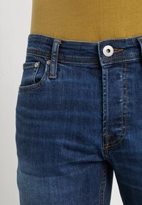 Jack & Jones - JJIMIKE JJORIGINAL - Vaqueros rectos - blue denim - 3