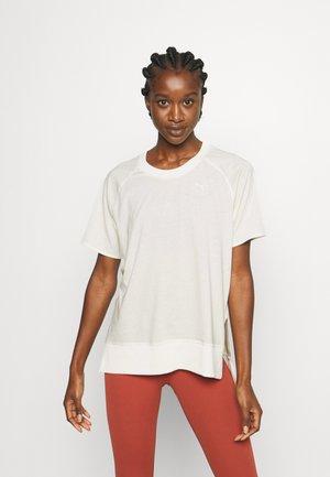 Basic T-shirt - ivory glow
