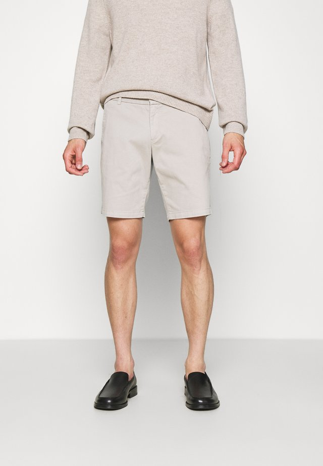 HILLS  - Shorts - reed