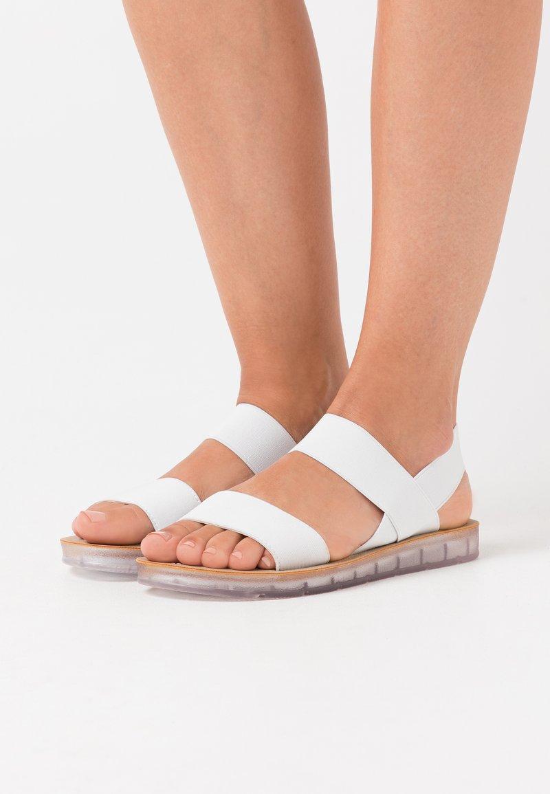 Madden Girl - PENNY - Sandały - white