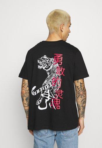 FIERCE - T-shirt med print - black
