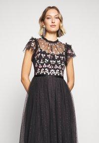 Needle & Thread - ROCOCO BODICE MAXI DRESS EXCLUSIVE - Společenské šaty - champagne/black - 3