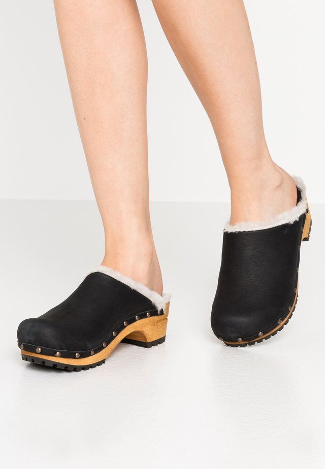 HESE OPEN - Clogs - black