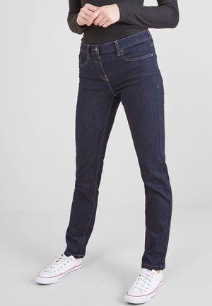 PETITE - Slim fit jeans - mottled royal blue
