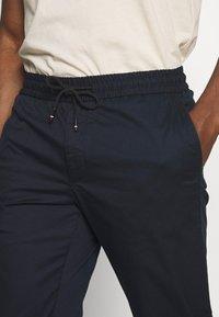Tommy Hilfiger - ACTIVE PANT SUMMER FLEX - Trousers - blue - 4