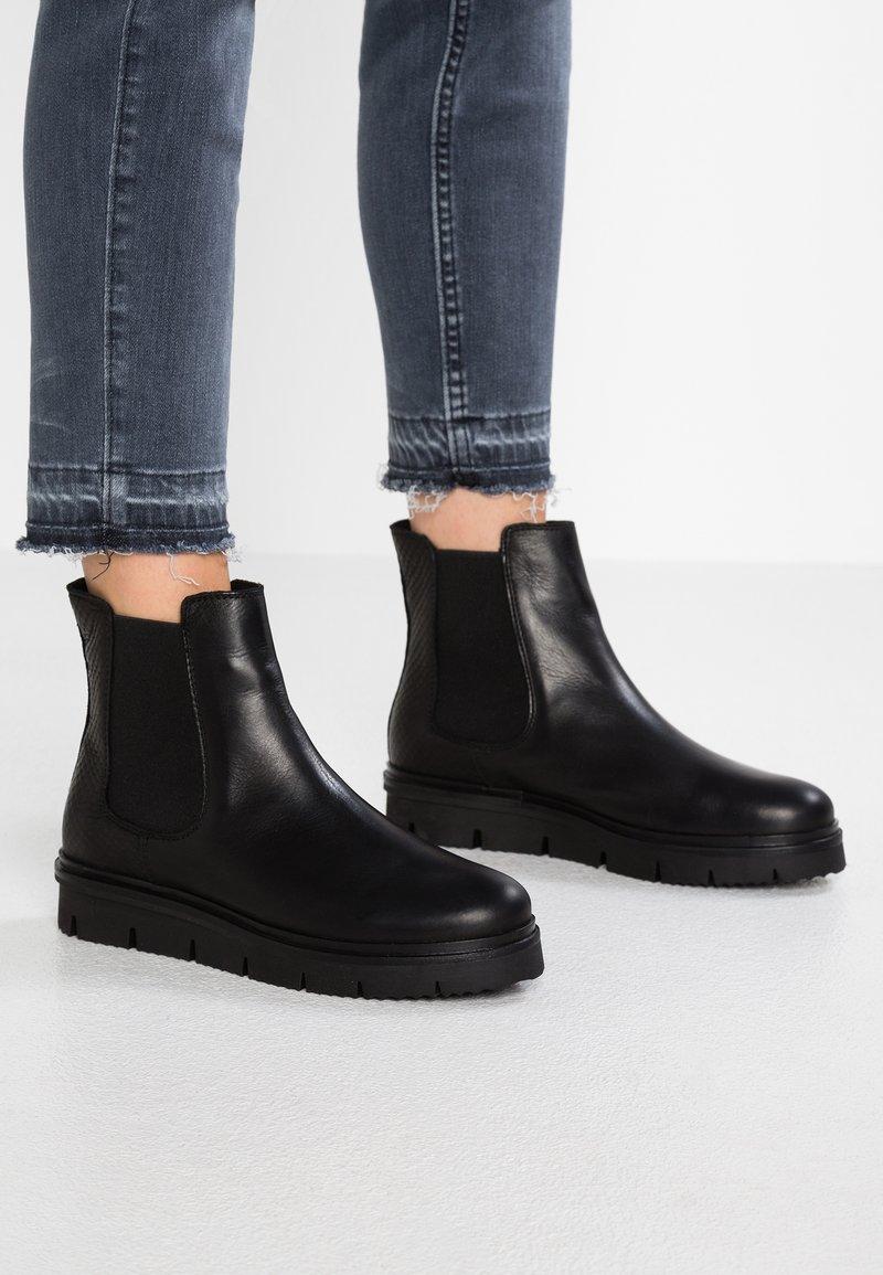 Bianco - CLEATED  - Platåstøvletter - black