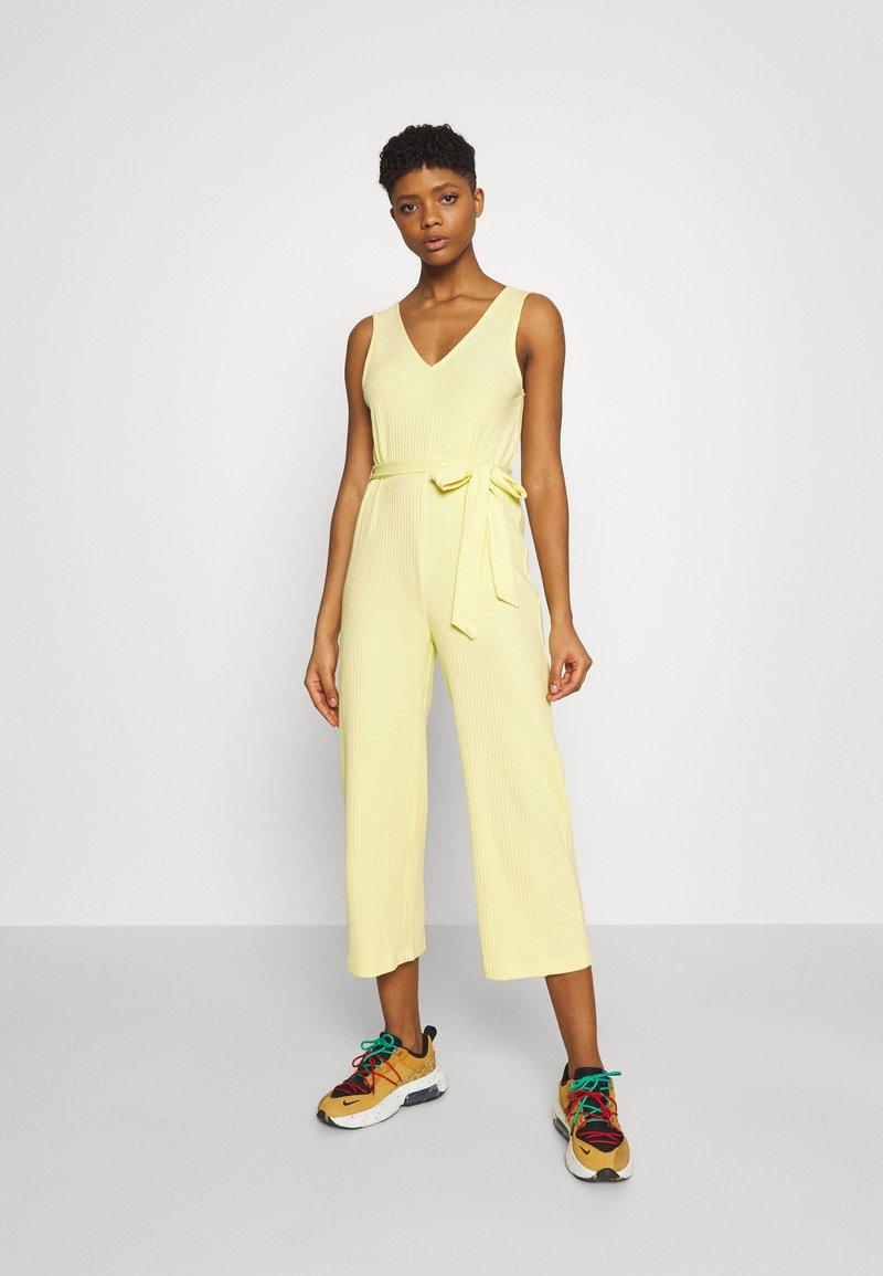Monki - Jumpsuit - yellow