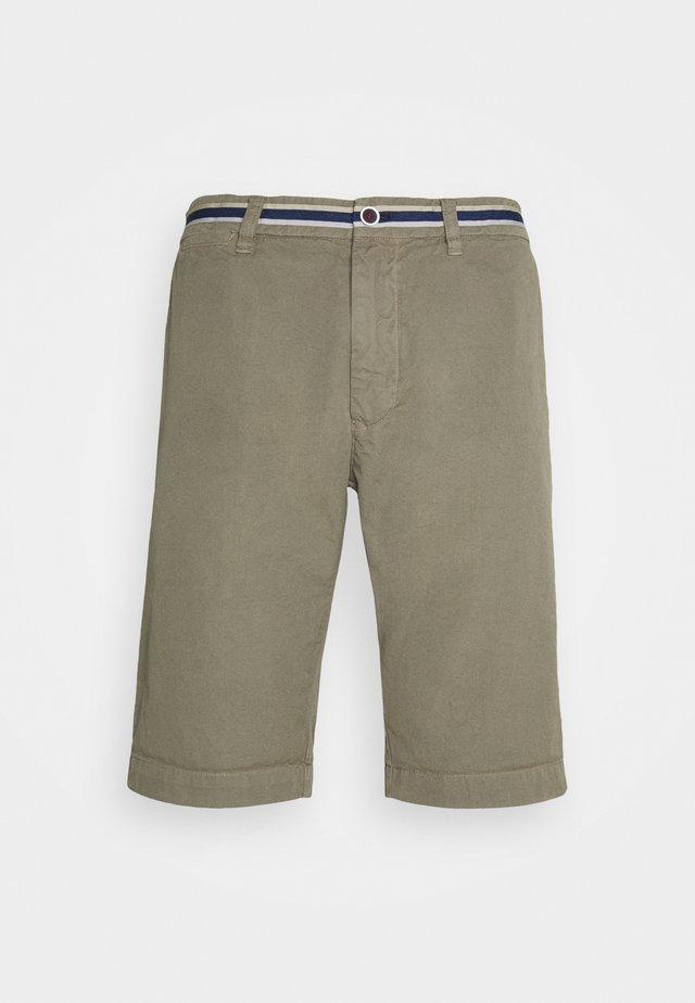 LONDONSUMMER - Shorts - olive