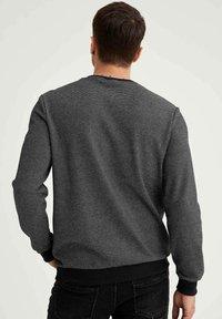 DeFacto - Sweatshirt - anthracite - 2