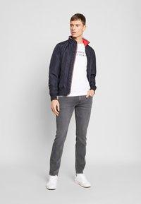 Tommy Hilfiger - DENTON AMES GREY - Straight leg jeans - grey - 1