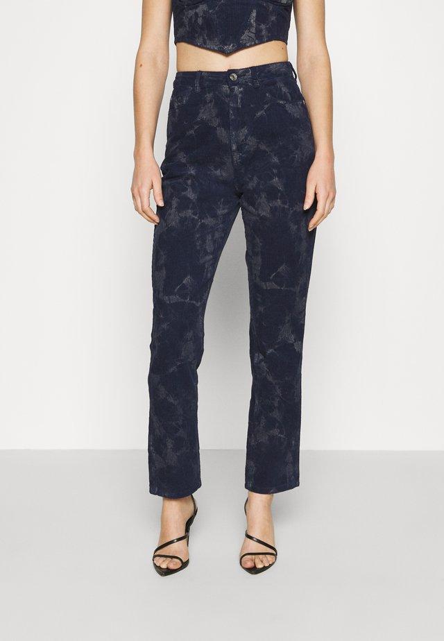 TIE DYE WRATH - Straight leg jeans - navy