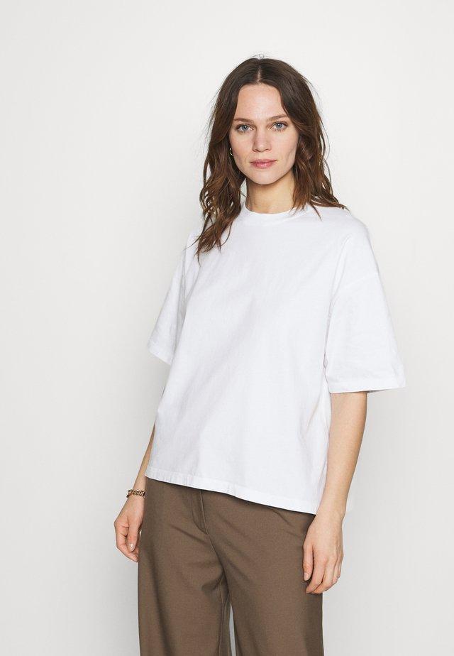 FIZVALLEY - T-Shirt basic - blanc