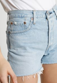 Levi's® - 501 HIGH RISE - Shorts vaqueros - weak in the knees - 3
