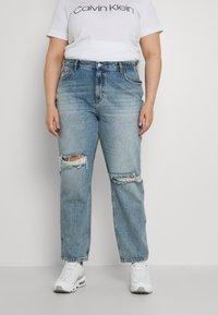 ONLY Carmakoma - CARINC ROBYN LIFE - Straight leg jeans - light blue denim - 0