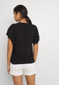 Vero Moda - VMNADS TRAPEZ SLEEVE - Print T-shirt - black - 2