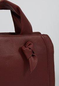 Zign - LEATHER - Handbag - maroon - 2