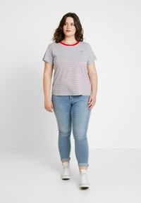 Levi's® Plus - PERFECT CREW - Print T-shirt - koronis baltic sea - 1