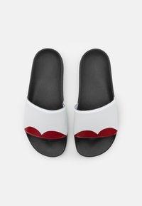 Marni - Pantofle - white/red/black - 3