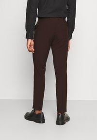 Isaac Dewhirst - THE TUX - Kostym - bordeaux - 5