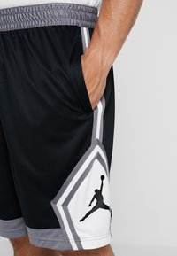 Jordan - JUMPMAN STRIPED SHORT - Sports shorts - black/gunsmoke/white - 4