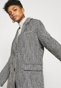 Gina Tricot - LINNEA COAT - Classic coat - black/white - 3