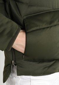 Urban Classics - LADIES SHERPA HOODED JACKET - Winter jacket - dark olive/dark sand - 4