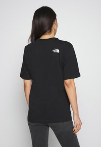 The North Face - EASY TEE - T-shirts med print - black - 2