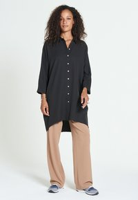 Jascha Stockholm - MAROCAIN - Robe chemise - black - 0