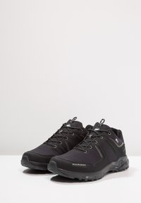 Mammut - ULTIMATE PRO LOW GTX MEN - Obuwie hikingowe - black
