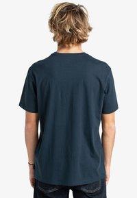 Billabong - GREETINGS - Print T-shirt - navy - 1