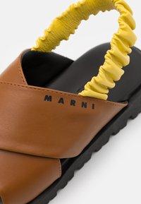 Marni - Sandalias - camel - 5