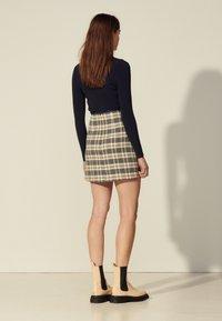 sandro - ANNETTE - Mini skirt - marine/taupe - 2