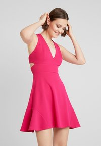 Club L London - Cocktail dress / Party dress - hot pink - 0