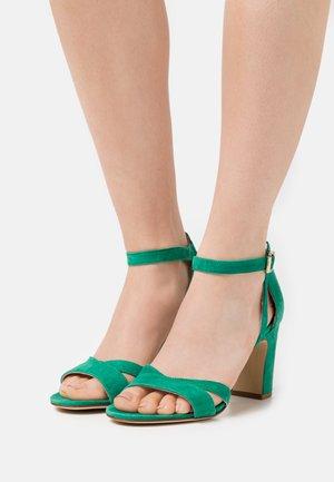 ANOTINA - Sandals - vert